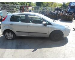 STEKLO  SPREDAJ DESNA Fiat Grande Punto 2007 1.2