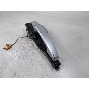 DOOR HANDLE OUSIDE FRONT RIGHT Opel Astra 2012 SW 1.7 DTI 16V 138616 138174