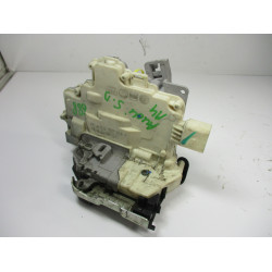 ZAKLEP  SPREDAJ DESNA Audi A4, S4 2009 2.0TDI AVANT 8J1837016A