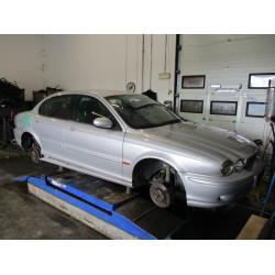 AUTO ZA DIJELOVE Jaguar X-Type 2001 2.5